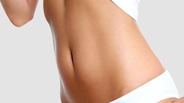 Abdomen plano después de una abdominoplastia